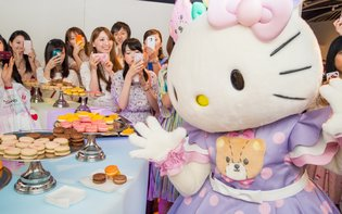 "PR Ambassador HELLO KITTY Appears at Charity Event ""Macaron Day""!"