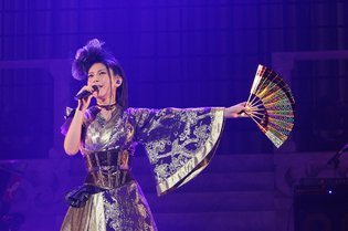 """I'm the Happiest Person in the World!"" Says a Moved Minori Chihara at 10th Anniversary Birthday Concert at Nippon Budokan"