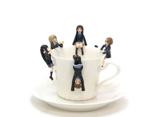 "*K-On!* Members Become ""Cup no Fuchiko"" Accessories!"
