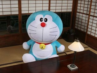 Introducing a Near Life-Size Plushie of Doraemon!
