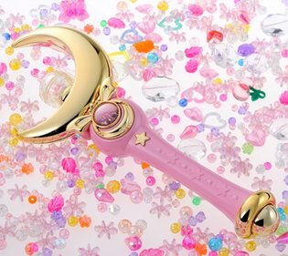 'Pretty Guardian Sailor Moon' Moon Stick & Castle Stand Pre-Order Begins! Stand Also Acts as an Accessory Holder!