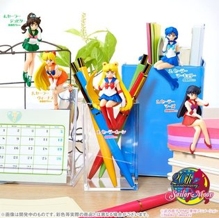 "Decorate Your Desk with Gashapon Sailor Scouts - ""Sailor Scouts Swooping Down to a Desk"" Finally Release"