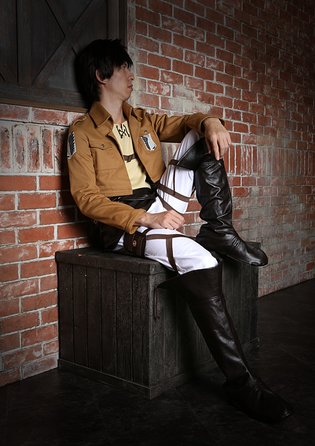 To Everyone Who Wants to Exterminate the Titans: Introducing the Eren Ver. Survey Corps Costume Set!