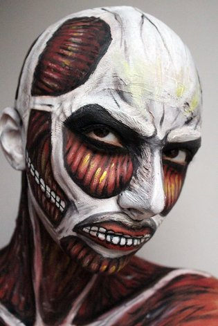 2D Expressed in Real Life! Romanian Makeup Artist Shows off Colossal Titan Makeup!