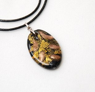 Glass Leaf Necklace w/ Pouch