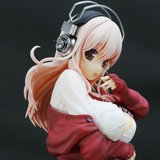 Super Sonico: See-Through When Wet Photo Shoot Winter Co-de Ver. 1/6 Scale Figure