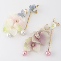 Honey Salon Asymmetrical Flower Earrings