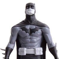Batman Black & White Statue by Jae Lee