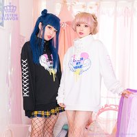 LISTEN FLAVOR Rainbow Heart Lace-Up Pullover