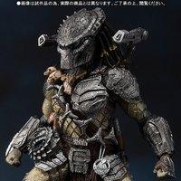 S.H.MonsterArts Predator Wolf (Heavy Armed Ver.)