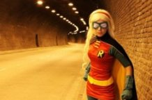 Robin IV cosplay