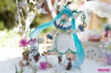 figma Snow Miku: Snow Bell Ver.