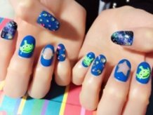 Aliens from Toy Story Nails