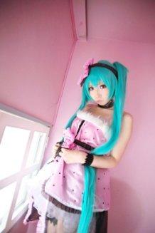 Creator Interview: Momoreku
