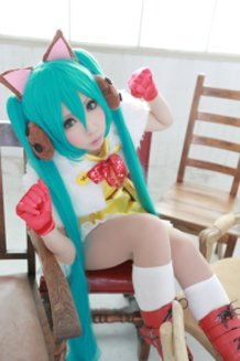 Kitty Cat Cape (Project DIVA f)