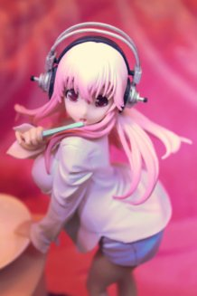 Sonico in the bathroom