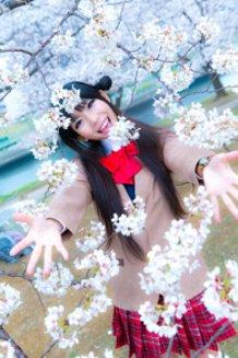 Uzuki Shimamura Together with a cherry blossoms.