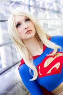 Super Girl - DC Comics / Superman Universe