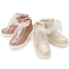 LIZ LISA Heart Cut-Out Sneakers
