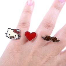 Hello Kitty Mustache & Heart 2-Finger Ring