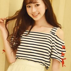 LIZ LISA Striped Off-Shoulder T-Shirt