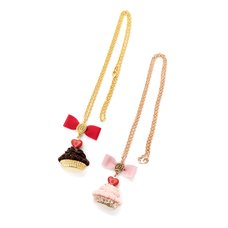 Q-pot. Parlor Heart Chocolate Cupcake Necklace