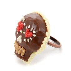 Q-pot. Parlor Chocolat Skull Ring