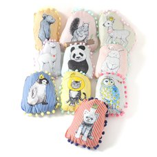 earth D[diː] & ecology Animal Pouches