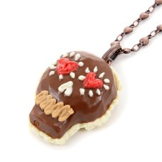 Q-pot. Parlor Skull Chocolat Necklace