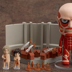 Nendoroid Colossal Titan & Attack on Titan Playset