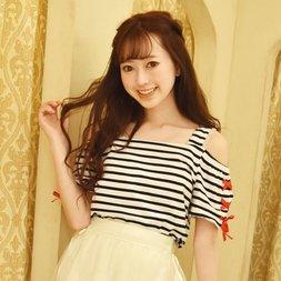 LIZ LISA Striped Off-Shoulder T-Shirt