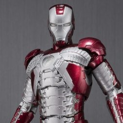 S.H.Figuarts Iron Man 2: Iron Man Mark V & Hall of Armor Set
