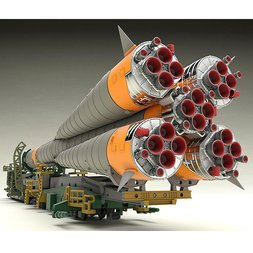 Soyuz Rocket & Transport Train 1/150 Scale Plastic Model