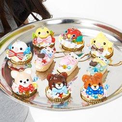 Zeitaku Sweets Amuse Character Keychains