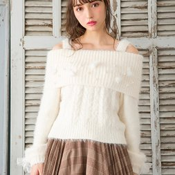 LIZ LISA Pom Pom Off-Shoulder Feather Knit Top