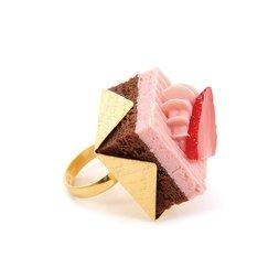 Q-pot. Strawberry Chocolate Petit Cake Ring