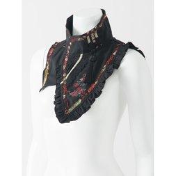 Ozz Oneste Sakura Embroidered Collar