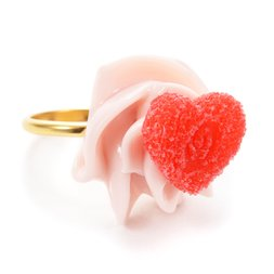 Q-pot. Parlor Love Heart Whipped Cream Ring