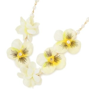 LIZ LISA Pansy Necklace