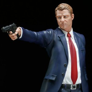 "Figures & Dolls / Scale Figures / ArtFX+ Gotham James ""Jim"" Gordon"