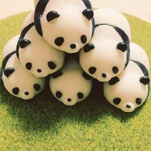 Toys & Knick-Knacks / Collectable Toys / Yawaraka Panda-san Figure