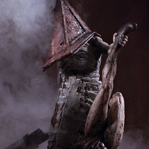 Figures & Dolls / Scale Figures / Silent Hill 2 Red Pyramid Thing 1/6 Scale Statue (Re-run)