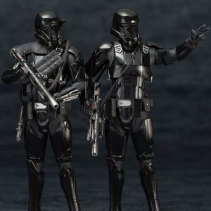 Figures & Dolls / Action Figures / ArtFX+ Star Wars Death Trooper 2-Pack