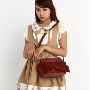 LIZ LISA Ribbon Kiss Lock Purse