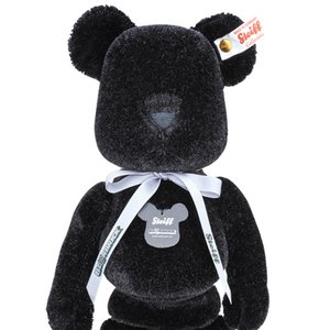 Toys & Knick-Knacks / Collectable Toys / BE@RBRICK x Steiff 400% Black