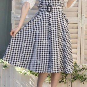 LIZ LISA Embroidered Mi-Mollet Skirt