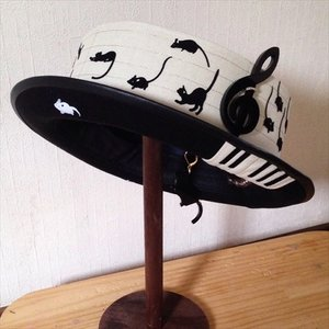 Coco & Ami Mice & Cats Piano Hat