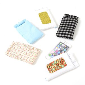 Stationery / Smartphone Accessories / Toys & Knick-Knacks / Collectable Toys / Extra Big Smartphone Futons