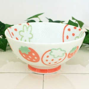 Home & Kitchen / Dishware / Wild Strawberry Rice Bowl