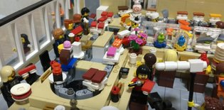 JAPAN / Japanese Lego fan builds a miniature, functioning conveyer belt sushi restaurant 【Video】